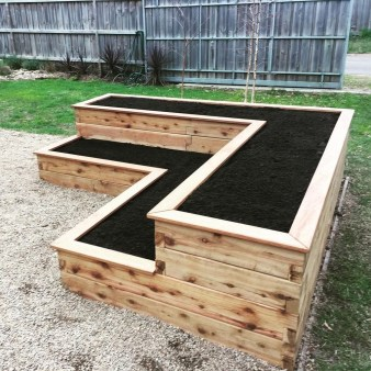 Fancy Diy Flower Beds Ideas For Your Garden22