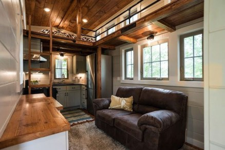 Rustic Tiny House Design Ideas With Two Beds26