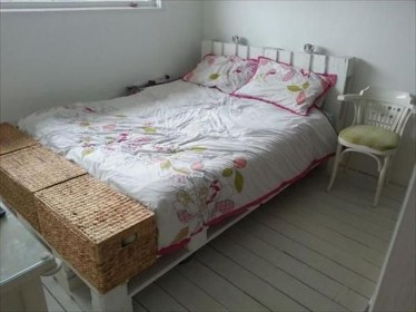 Unordinary Recycled Pallet Bed Frame Ideas To Make It Yourself22