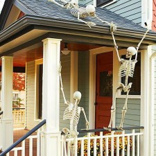 Awesome Scary Halloween Porch Ideas To Try Today03
