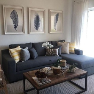 Comfy Living Room Decor Ideas To Make Anyone Feel Right At Home30