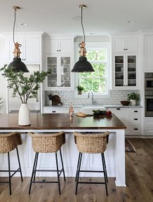 Incredible Black And White Kitchen Ideas To Try03