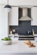 Incredible Black And White Kitchen Ideas To Try16