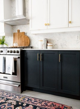 Incredible Black And White Kitchen Ideas To Try18