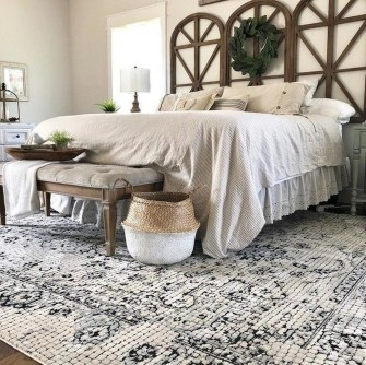 Spectacular Farmhouse Master Bedroom Decorating Ideas To Copy21