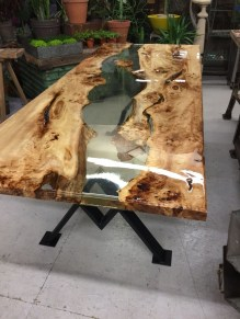 Classy Resin Wood Table Ideas For Your Furniture15