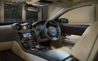 2016-jaguar-xj-interior_827x510_81453969874