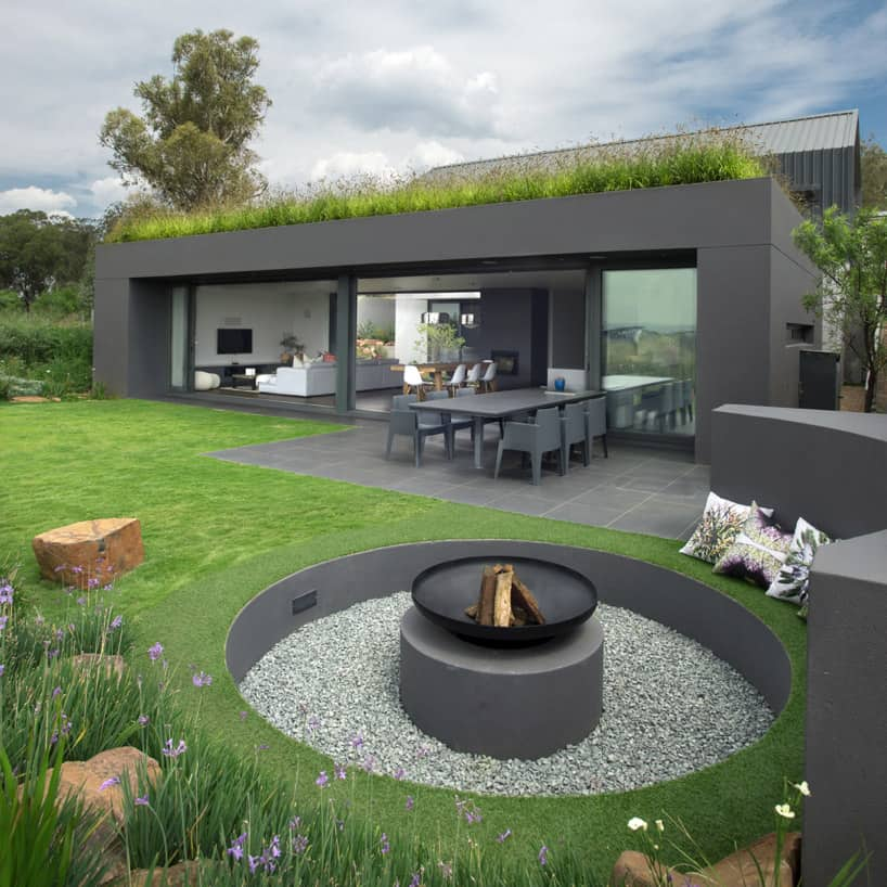 35 Metal Fire Pit Designs and Outdoor Setting Ideas on Fire Pit Design  id=53879