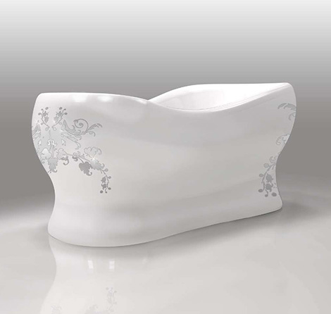 gruppo-treesse-custom-bathtub-egg-lady.jpg
