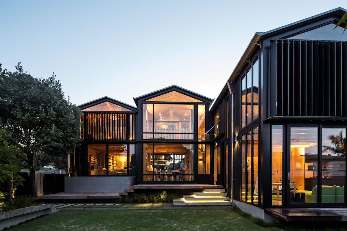 Glass And Steel Home | Modern House Designs on Modern Glass Houses  id=65969