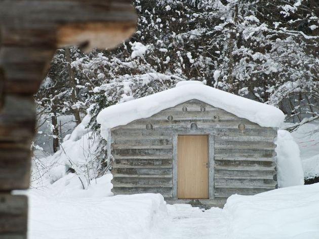 minimalist-concrete-alpine-cabin-1-front.jpg
