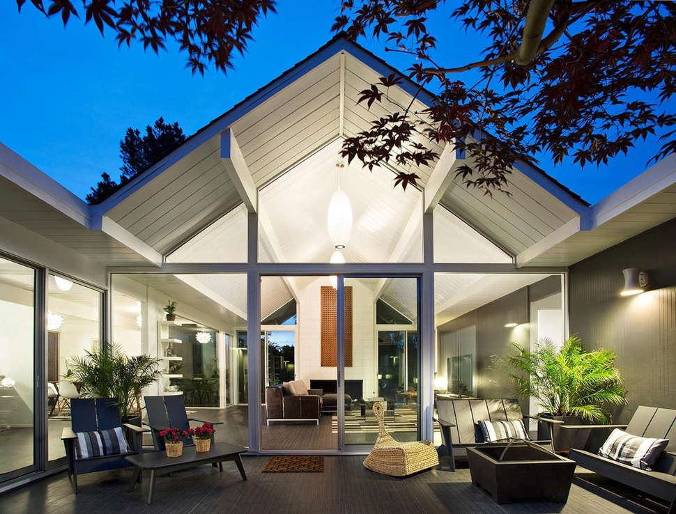 Interior Courtyard Surrounded by 4 Gables: House by Klopf ... on Interior:ybeqvfpgwcq= Modern House  id=33693