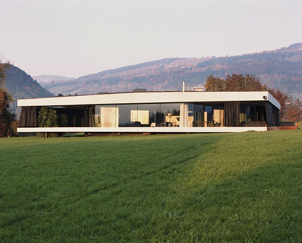 Modern Country House Suitable For Any Landscape Modern