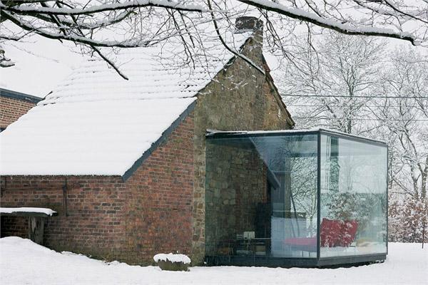 https://i1.wp.com/www.trendir.com/house-design/glass-and-brick-houses-belgium-2.jpg