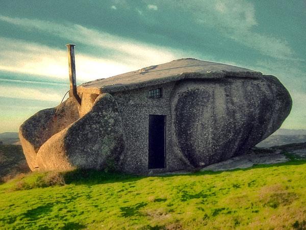 stone-house-exterior-mountain-home-2.jpg