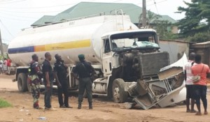 News: 2 Die, 10 Injured In Traffic Accident On Lagos-Ibadan Expressway