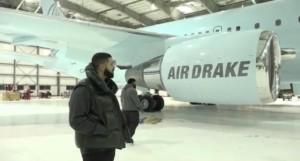 E! News: Drake Acquires Private Jet 'Air Drake' – Photos
