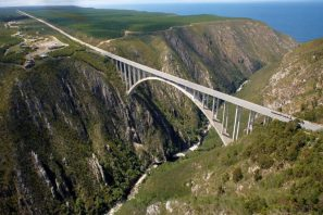 Bloukrans Bridge, Western Cape, South Africa - Best places to bungee jump - 2018 - TrendMut- USA