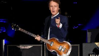 "Photo of Paul McCartney – ""Fuh You"""