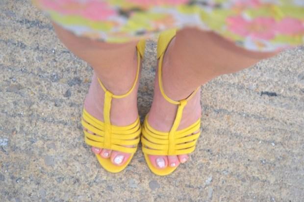 sandali gialli estivi  Vigevano