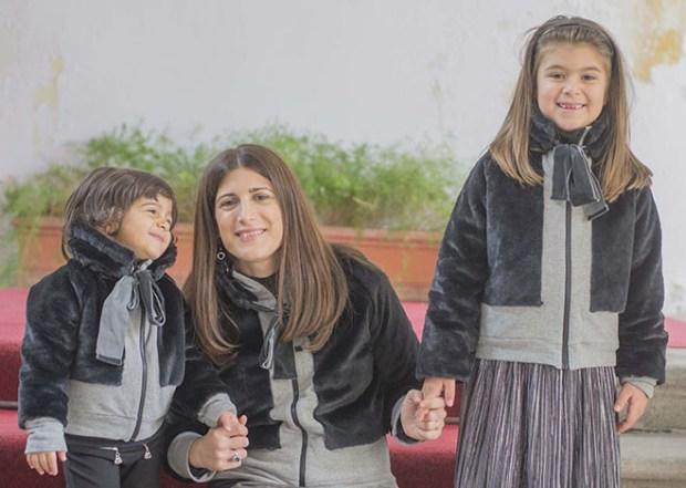 vestiti uguali mamma e figlia