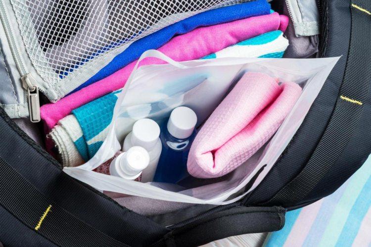 El kit de higiene imprescindible para tus escapadas de verano
