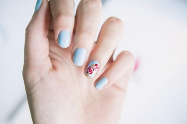 Nail art du printemps avec nailmatic trendy mood - Nail art discret ...