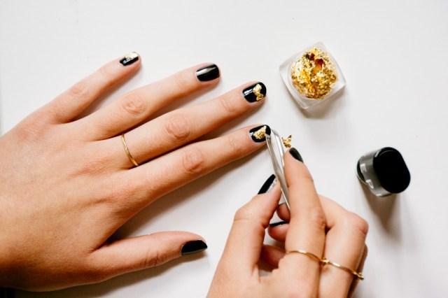 Black and Gold Nail Art -4