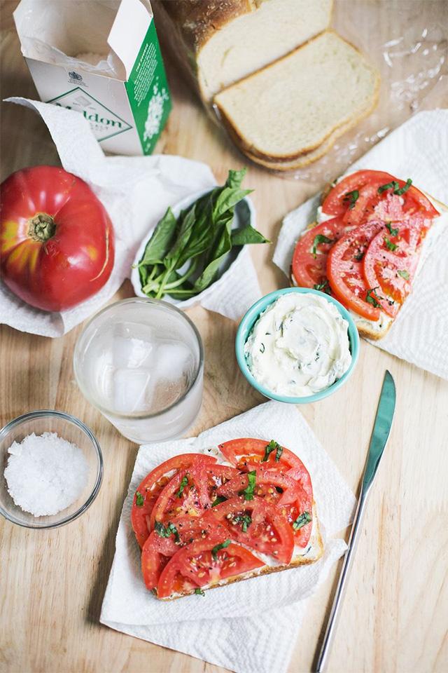 Recette-Toast-Tomates