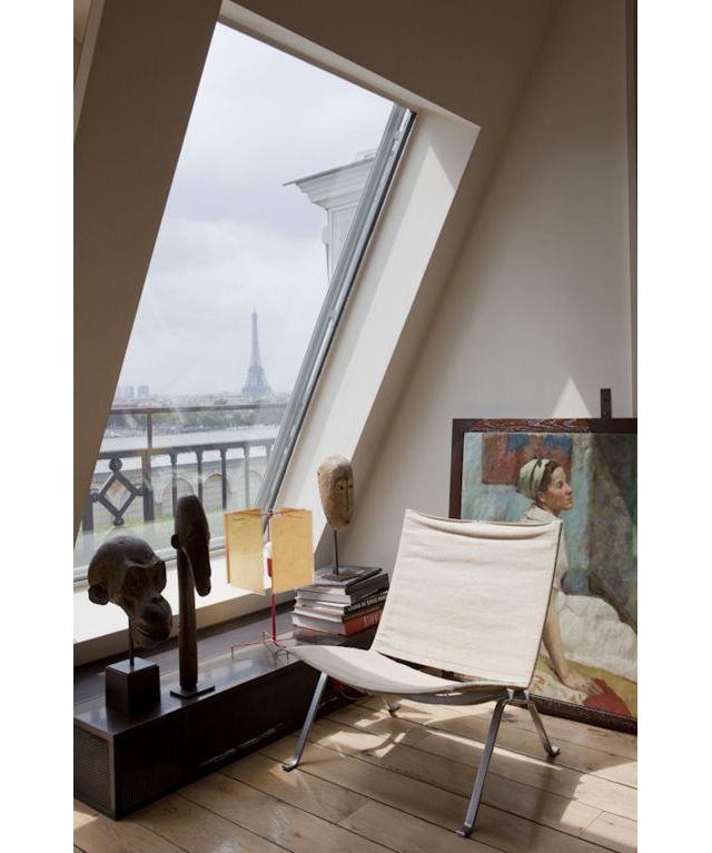 Window-Eiffel-Tower