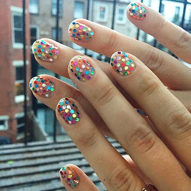 Pin Confettis Nails