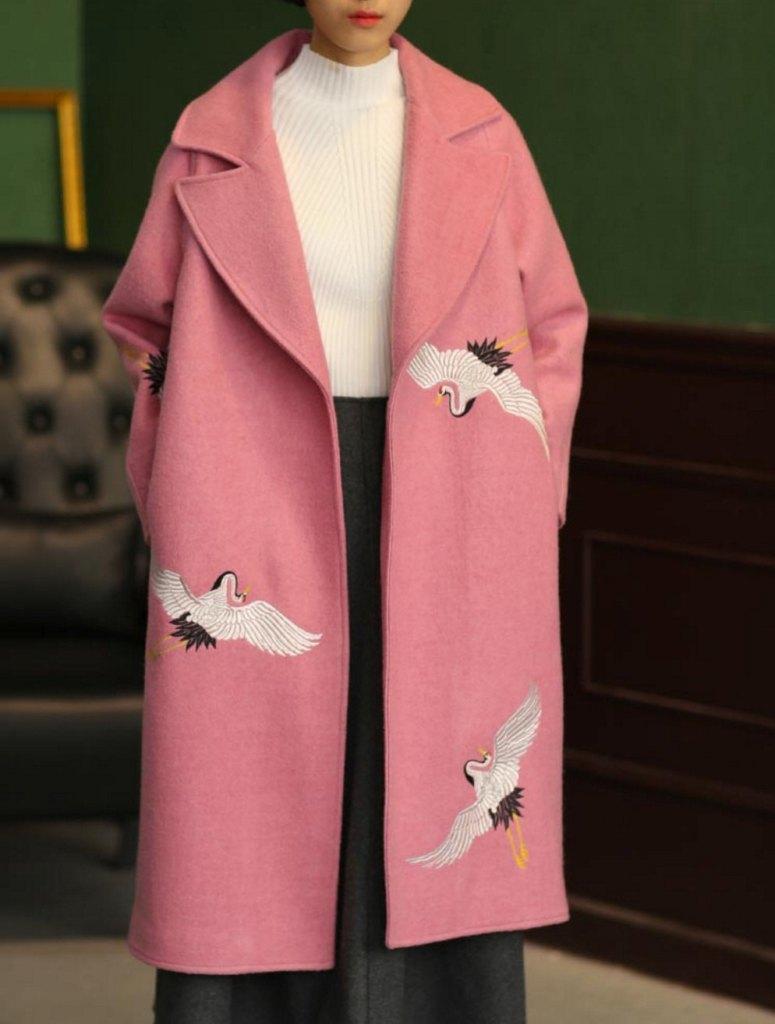 Manteau d'hiver broderie Fine Art Collection laine rose grue blanche à la main edition limitée