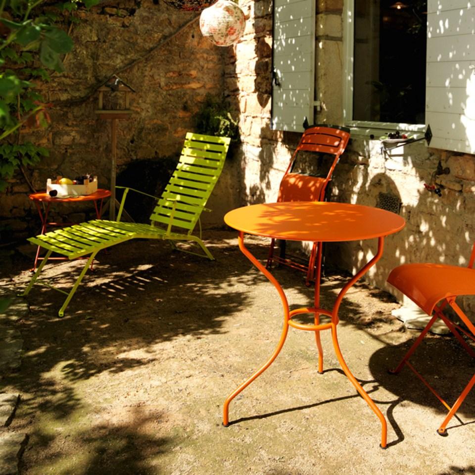 fermob de la d co de jardin en m tal recycl trendy mood. Black Bedroom Furniture Sets. Home Design Ideas