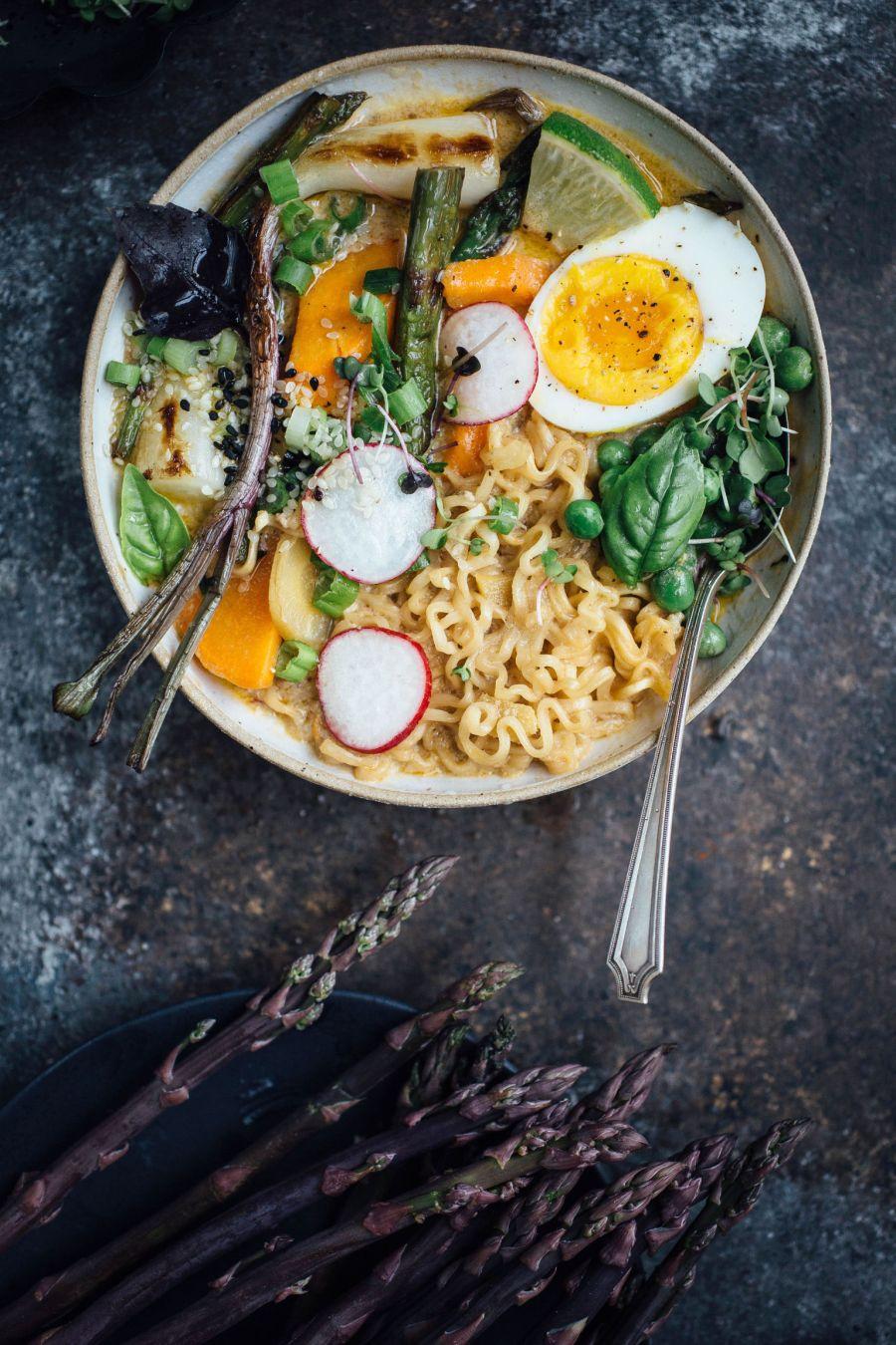Recette végétarienne Pinterest - Ramen au curry