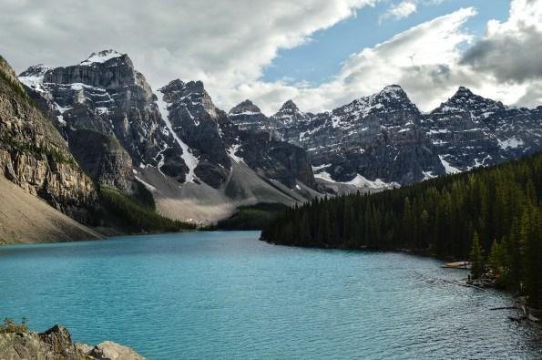 Lac et canoë - Canada