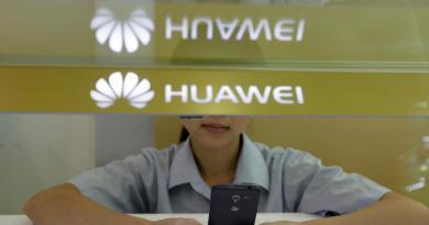 Huawei punisce due dipendenti: hanno usato l'iPhone per mandare gli auguri per l'anno nuovo – La Stampa