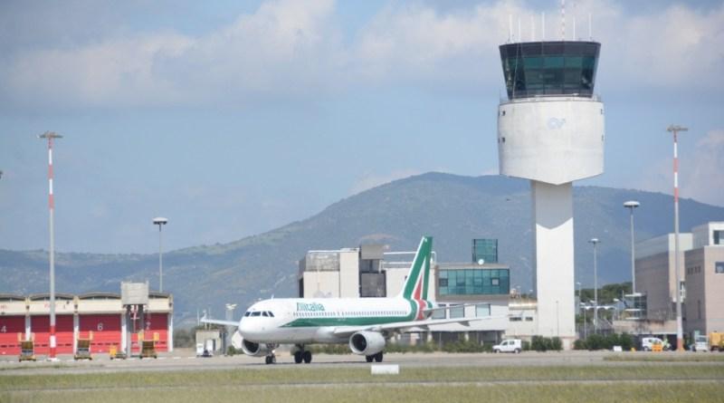 Alitalia lascia l'aeroporto di Olbia