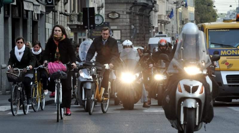 Dl ambiente, 2 mila euro di incentivi alla rottamazione di auto e sconto sui prodotti sfusi