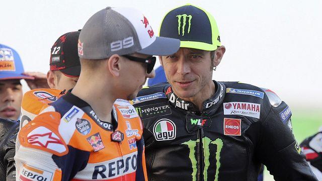 MotoGp, Valentino Rossi: l'offerta inattesa a Jorge Lorenzo