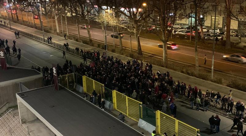 Toro, il postpartita in diretta: protesta civile fuori dallo stadio, cori contro Cairo e Mazzarri
