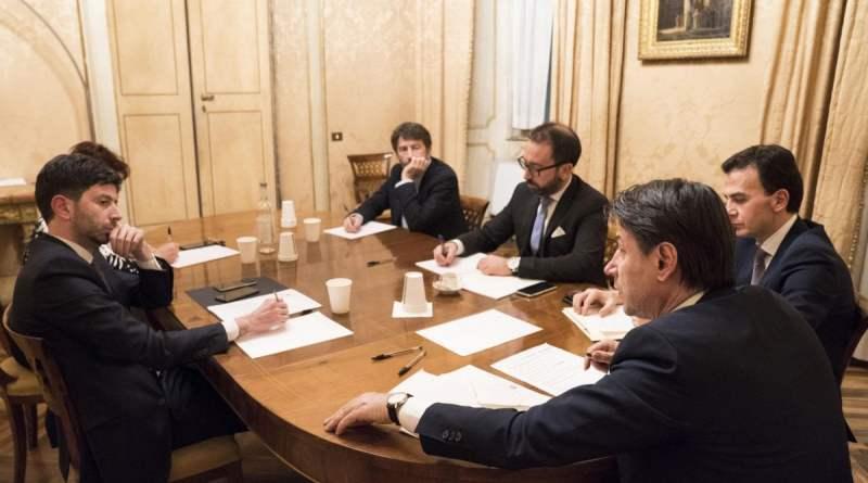 """Governo, partono gruppi di lavoro per l'agenda 2020. Conte: """"Avanti spediti"""". Ad aprile la riforma dell'Irpef"""