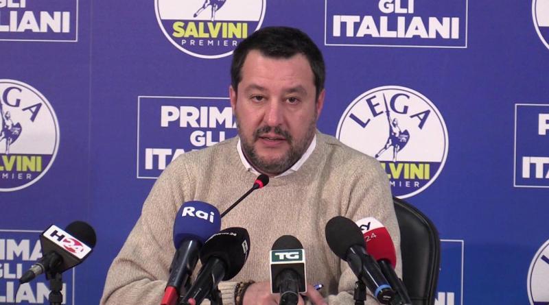 Coronavirus, Salvini : 'Governo controlli arrivi via mare, via aereo e via terra'