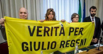 """Giulio Regeni, i genitori: """"L'ambasciatore in Egitto neanche ci risponde"""