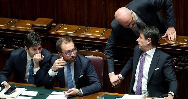 Matteo Salvini, la proposta Lega sulla prescrizione fac simile di Costa: così può far crollare il governo