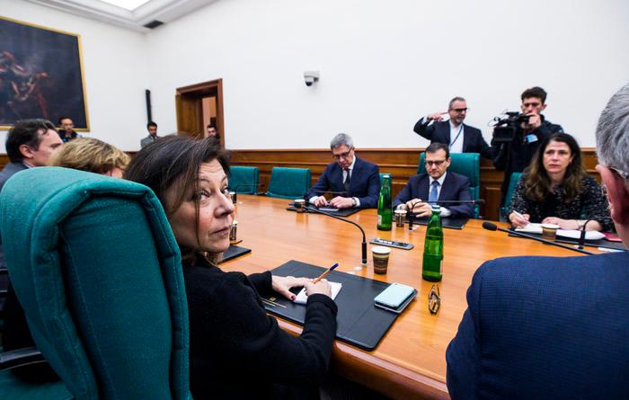 "Air Italy: governo ""irritato"""