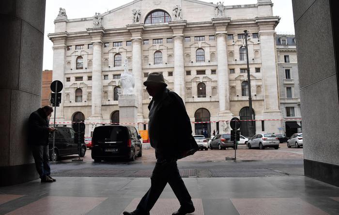 Borsa Milano +0,7%,chiude a massimi 2008