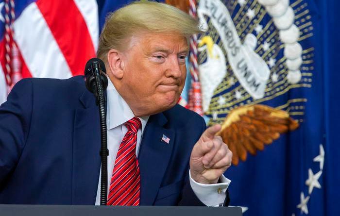 Migranti, Trump manda 100 agenti a New York e Chicago per arrestare clandestini