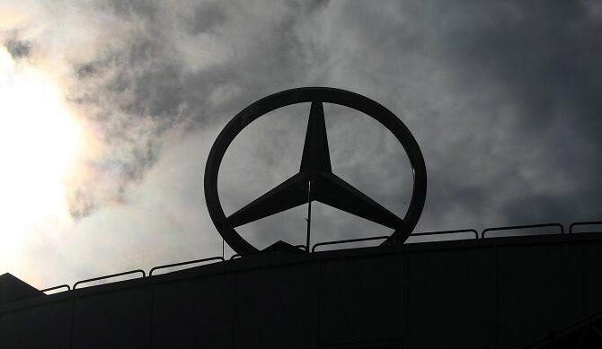 Mercedes, DAS…