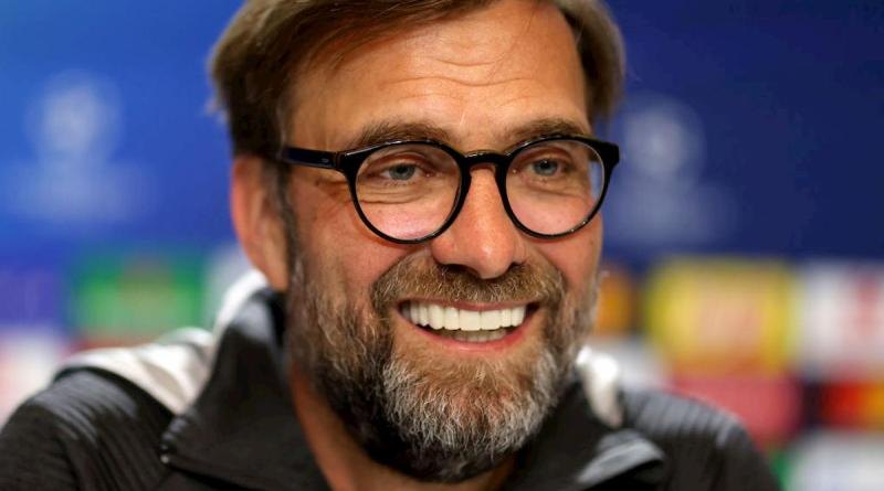 """Un bambino tifa United e scrive a Klopp: """"Puoi smettere di vincere?"""". E lui risponde"""