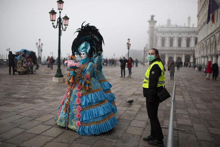 Due contagiati a Venezia, coronavirus ferma il Carnevale